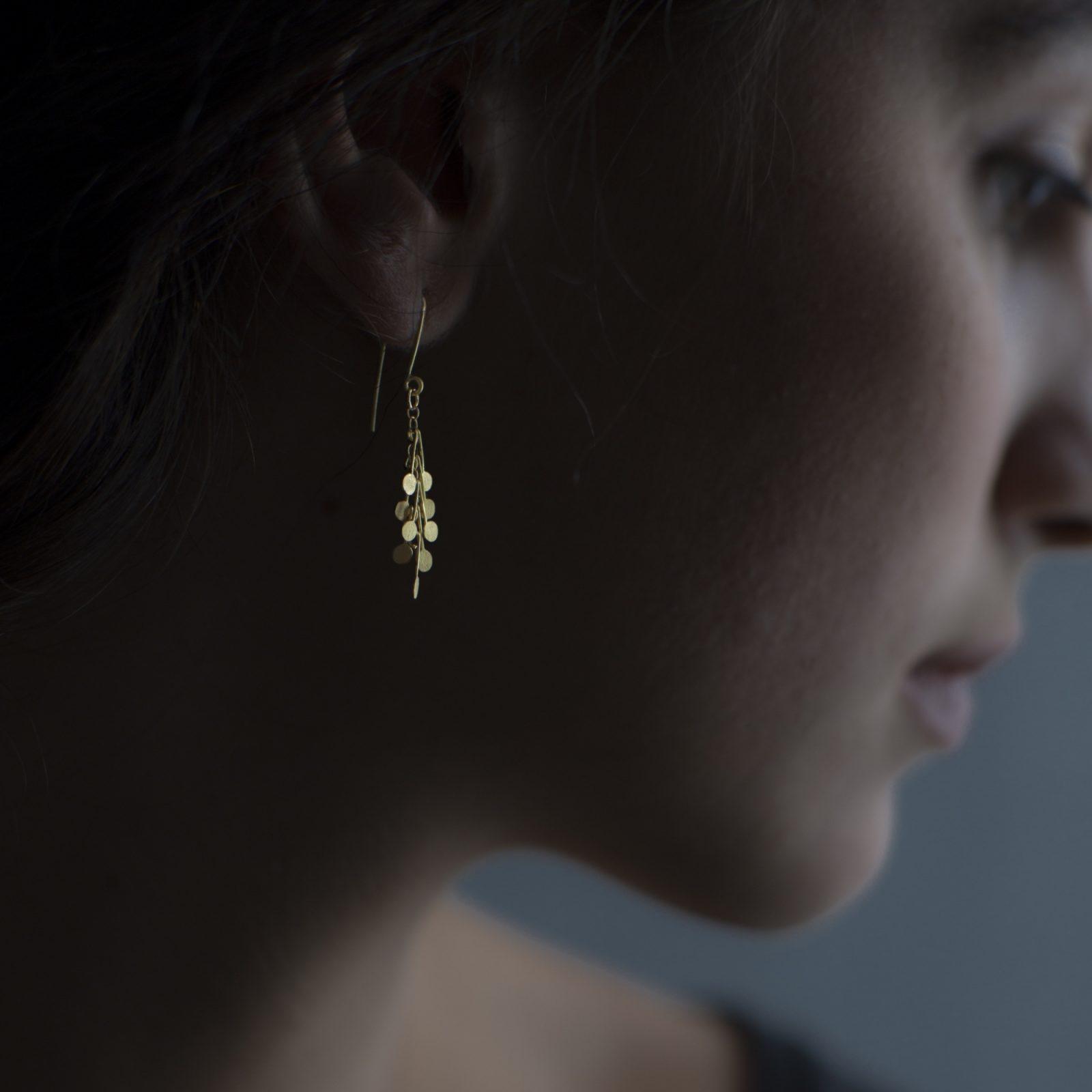 Sia Taylor DE24 Y Yellow Gold Dot Earrings M
