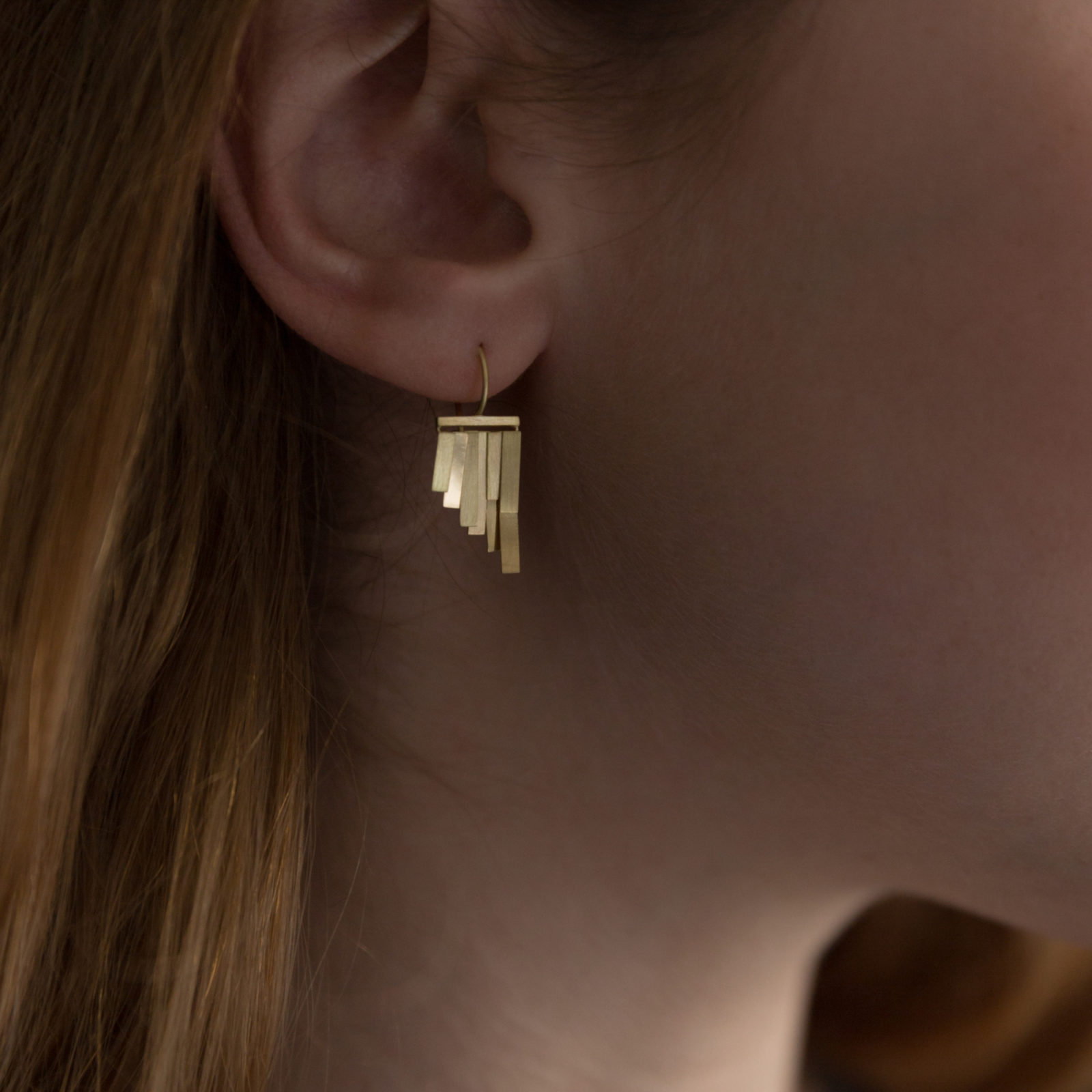 Sia Taylor KE33 Y Yellow Gold Tiny Rainfall Earrings M