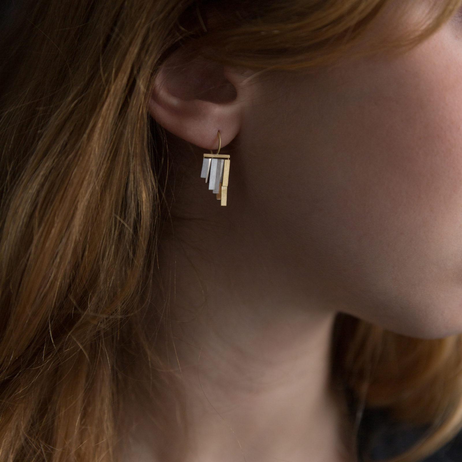 Sia Taylor KE33 YWP Gold Platinum Tiny Rainfall Earrings M