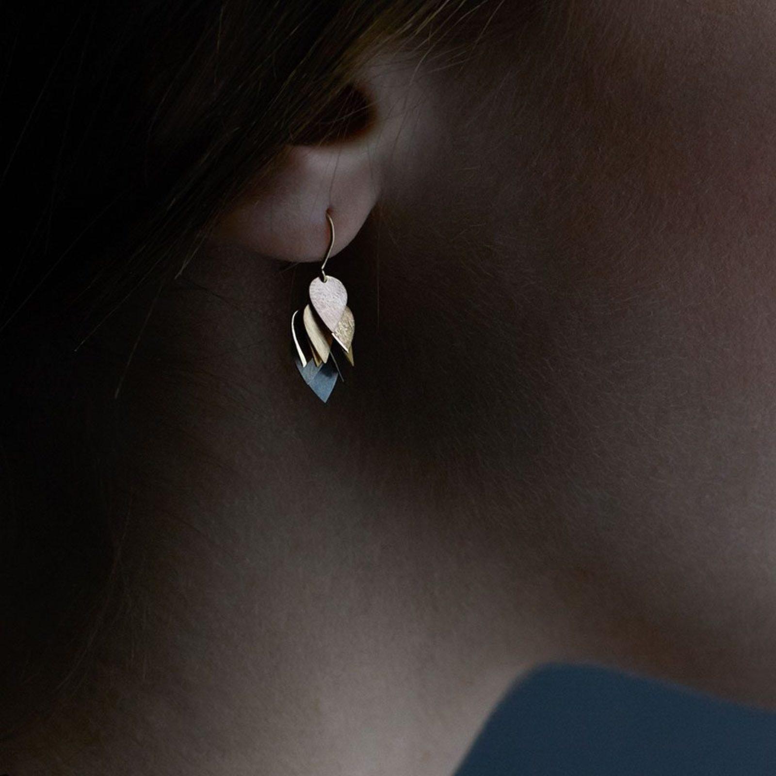 Sia Taylor KE4 RAIN Rainbow Golds Petal Cluster Earring M