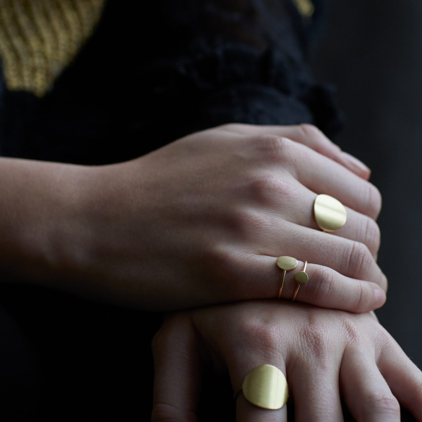 Sia Taylor KR2 Y Yellow Gold 8mm Moon Ring M