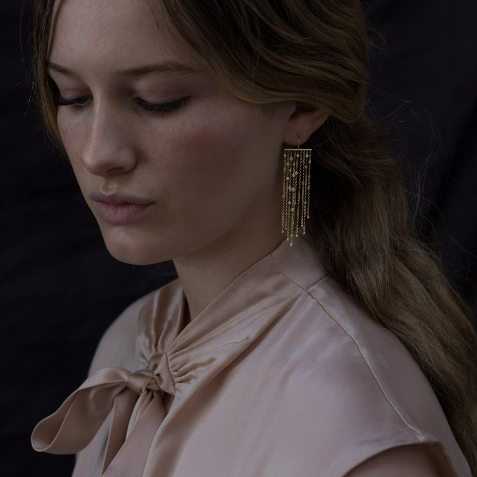 Sia Taylor SE1 YWP Gold Platinum Falling Dust Earring M