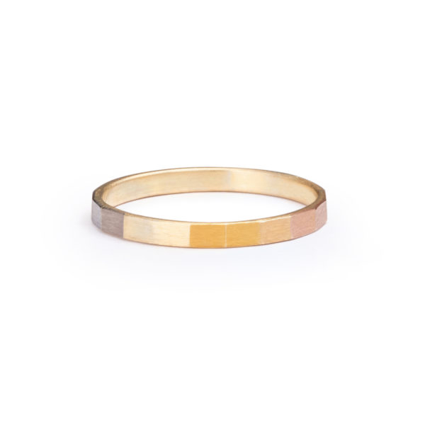 Sia Taylor KR10 ARAIN Rainbow Gold Faceted Band WB
